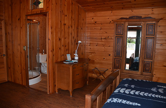 Waipio Wayside, Birds Eye Room, All wooden walls with view into en suite